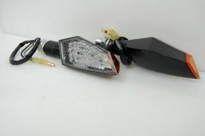 Index irányjelző lámpa fekete víztiszta búrás, LED EU legális