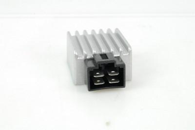 feszültség szabályzó 31600-GW-900 CN