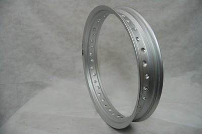 AKC.felni küllő nélkül ráf 3.50-17 alu ezüst 36 küllő